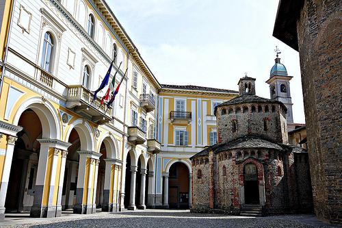 Biella: furbetti del cartellino in Comune, 33 dipendenti arrestati