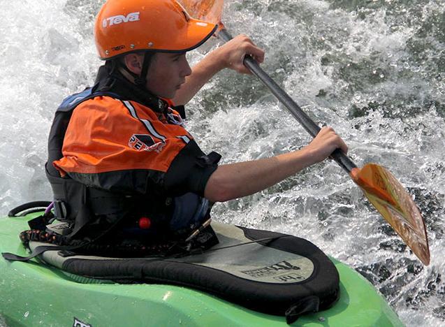 Il kayak si ribalta sulle rapide, Andrea muore a 17 anni
