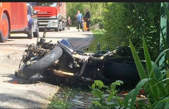 Motociclista muore dopo lo scontro con un capriolo
