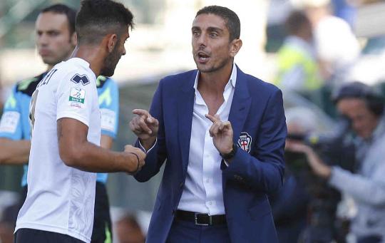 Novara-Pro Vercelli:tifoso cade da curva