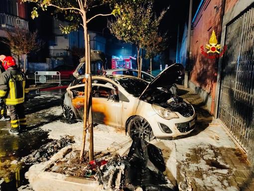 A fuoco un'auto a Gpl