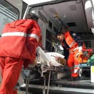 Robbio, finisce in ospedale dopo la caduta dalla bici