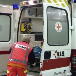 Incidente tra mezzi pesanti: austista in ospedale