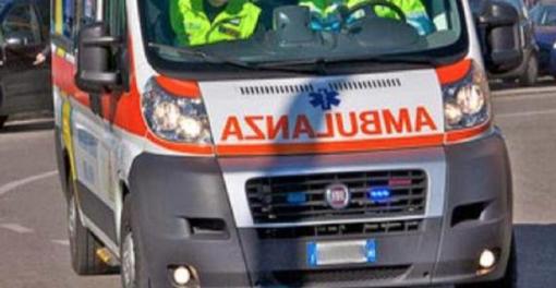 Schianto tra due auto a Palestro: 4 feriti, tra cui una donna incinta