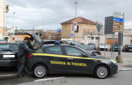 Mascherine, giocattoli, bigiotteria: la Finanza sequestra merce per 15mila euro