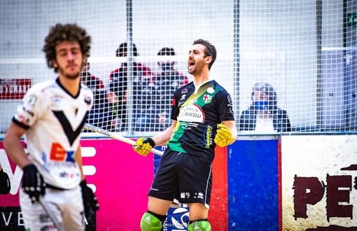 L'esultanza di Matteo Brusa, marcatore del secondo gol vercellese, in una foto di Chiara Jett Tugnolo.