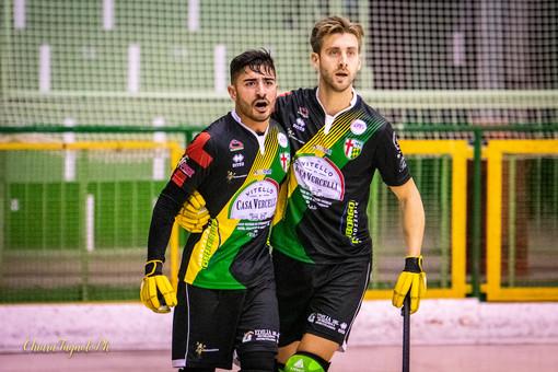 Da sinistra: Giorgio Maniero e Matteo Brusa esultano dopo un gol (foto di Chiara Jett Tugnolo)