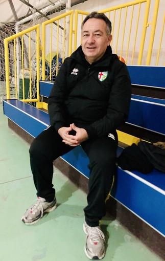 Mister Paolo De Rinaldis durante l'intervista del post partita