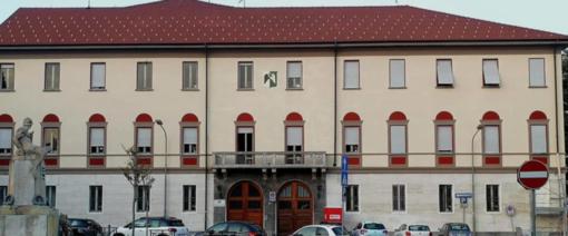 Arona, bestemmia in consiglio comunale, si dimette consigliere Lega