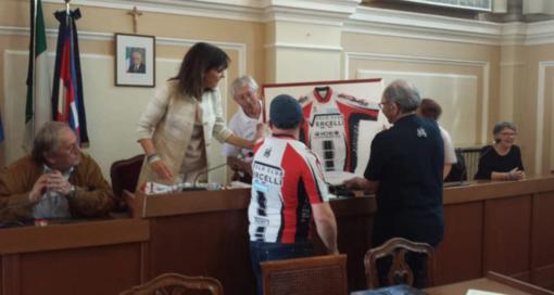 Gemellaggio ciclistico tra Arles e Vercelli