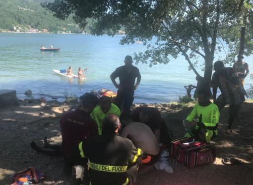 Malore mentre nuota nel lago: 20enne in condizioni critiche