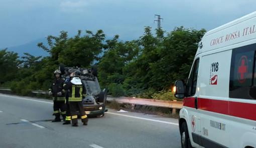 Biella, incidente in superstrada. Uomo sbalzato oltre il guard rail