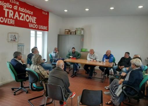"""Cofferati in visita ai lavoratori Bombardier insieme ai candidati alle europee Branca e Amato (La Sinistra): """"Senza una politica industriale non si può salvaguardare e rilanciare la fabbrica vadese"""""""