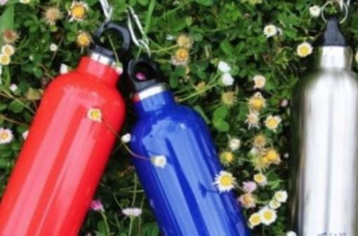 Borracce plastic free per gli alunni delle elementari
