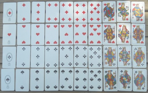 Quali sono i giochi di carte più amati in Piemonte ed Italia