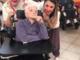 Naso rosso, musica e allegria: i clown in casa di riposo