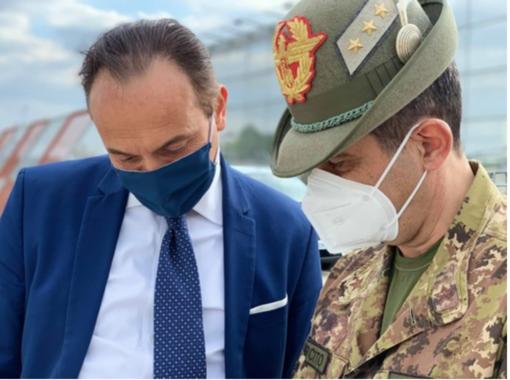 Minacce dei No-Vax a Cirio. Il governatore: «Combattono il nemico sbagliato»