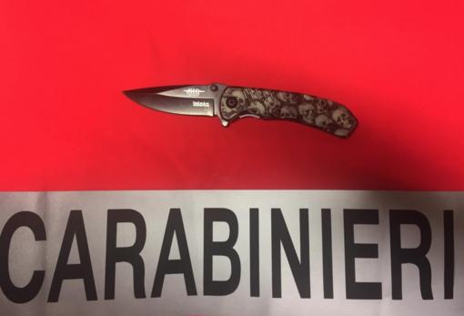 Fermata con un coltello nella borsa: nei guai una 47enne