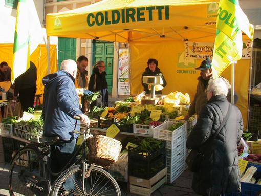 Campagna Amica: in piazza Cavour l'agrimercato di Coldiretti