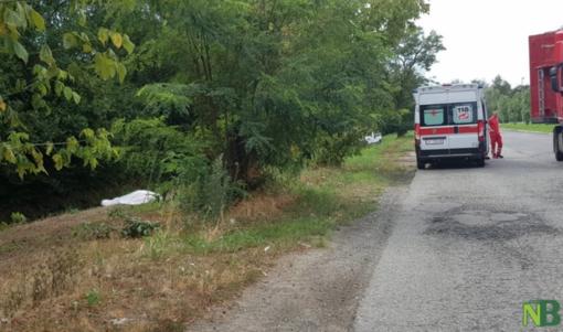 Uomo morto in un canale: indagini in corso