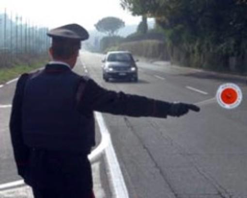 Senza patente alla guida di un'auto sottoposta a fermo amministrativo