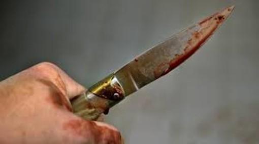 Litigano per futili motivi e spunta un coltello. Minore denunciato dai Carabinieri