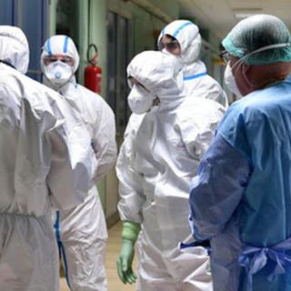 Un morto e 23 casi nuovi nel bollettino Covid del vercellese