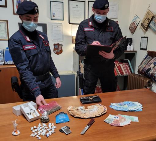 L'appartamento era diventato una centrale di spaccio: un arresto e due denunce