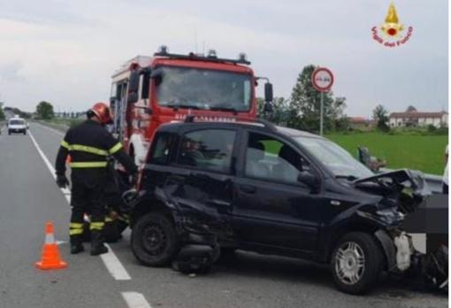 Incidente tra una Panda e un furgone: 3 i feriti