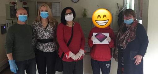 """""""Faccine Sorridenti"""" in aiuto ai ragazzi: consegnati 75 tablet"""