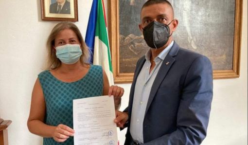 Alessandra Ferragatta con il sindaco Angelo Cappuccio