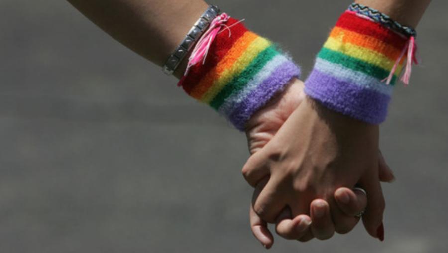 15enne aggredita perché lesbica. La madre: