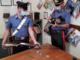 Minaccia di morte la mamma e ferisce un carabiniere: 29enne in manette