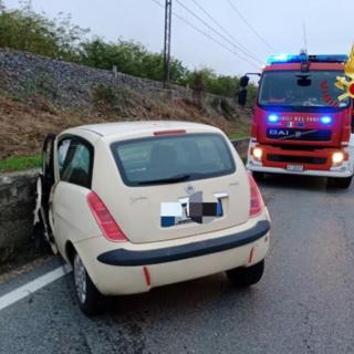 Frontale sulla 31bis: auto distrutte e traffico bloccato