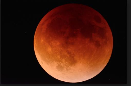 Occhi al cielo: martedì sera c'è l'eclissi di luna
