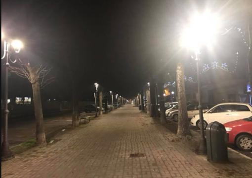 Posizionate le prime lampade a led: lavori in corso in viale Garibaldi