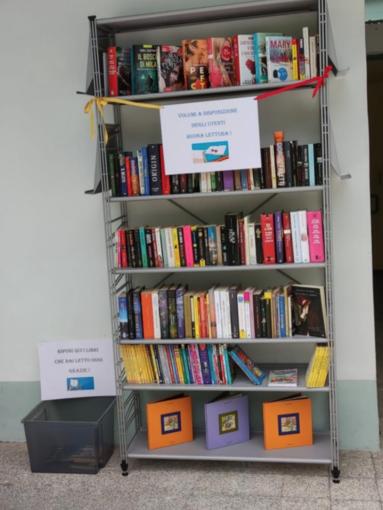 """In piscina con un buon libro: """"Libere librerie"""" sbarca all'ex Enal"""