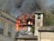 A fuoco il Muntisel, fiamme altissime divorano il locale