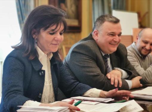 Il sindaco Maura Forte e il comandante Roberto Riva Cambrino