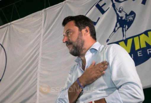 Matteo Salvini sul palco a Domodossola