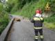 Sassi dalla montagna: strada chiusa a Borgosesia