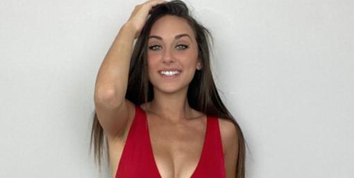 Alla livornese Nicole Cena la fascia di Miss Grand Prix on the web