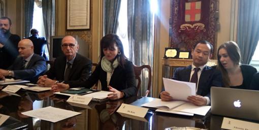 da sin: Pietro Ferrero (Amteco), Roberto Gallo (Open Fiber), il sindaco Maura Forte e Hu Kun (ZTE) alla presentazione del progetto
