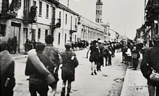 I partigiani entrano in città passandoi da c,so Randaccio