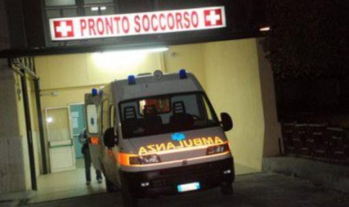 Tronzano: 43enne ferito dallo scoppio di un estintore