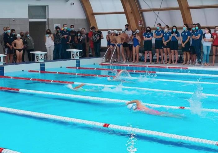 """Vercelli torna a nuotare: taglio del nastro per """"Le Piscine"""" - FOTO"""