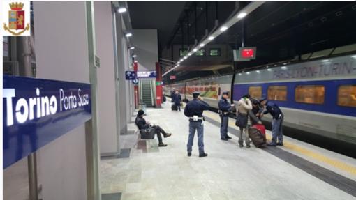 Donna muore investita da un treno a Torino Porta Susa