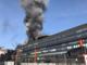 Torino, a fuoco l'ex palazzo Fiat in corso Ferrucci: le colonne di fumo si vedono da tutta la città [FOTO e VIDEO]