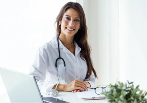 Le buone abitudini che abbassano il rischio di tumore al seno. I consigli di Fab SMS per uno stile di vita sano