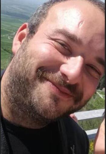 """L'addio ad Angelo Santarella, morto a 32 anni. """"Non dimenticheremo il tuo grande cuore"""""""
